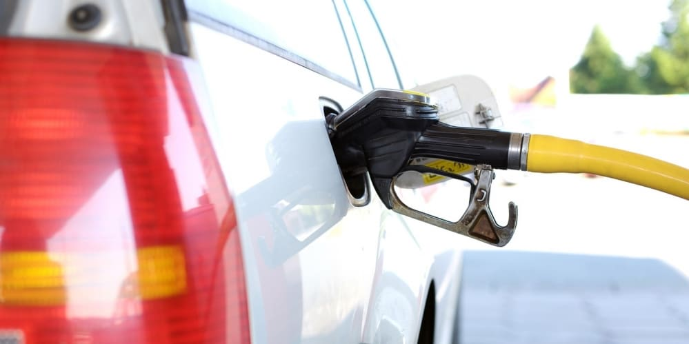 Зареждане на гориво в колата